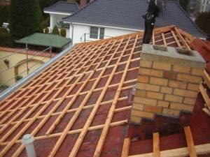 Auch das Dach wird ertüchtigt